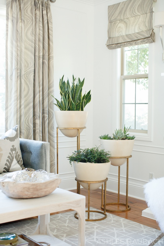 becki-owens-blog modern living room with planters