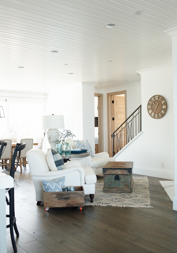 beach-house-living-room - BECKI OWENS