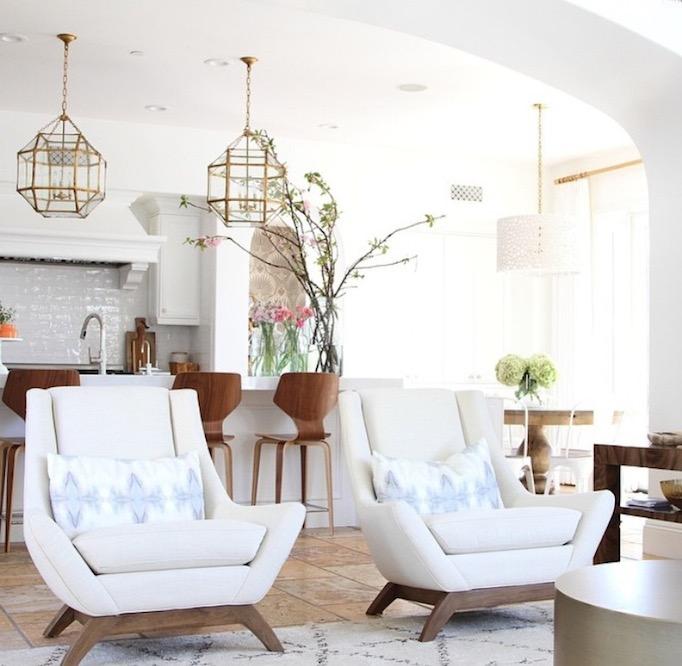 modern coastal family room becki owens