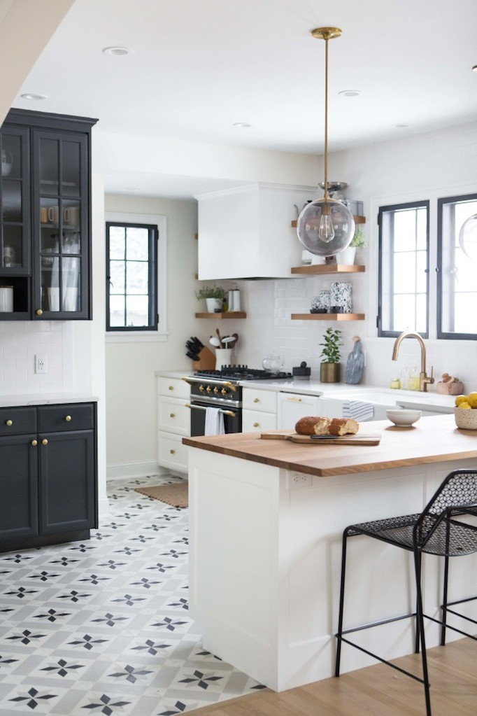 Charming black white and brass kitchen renovation for Floor and decor kitchen cabinets