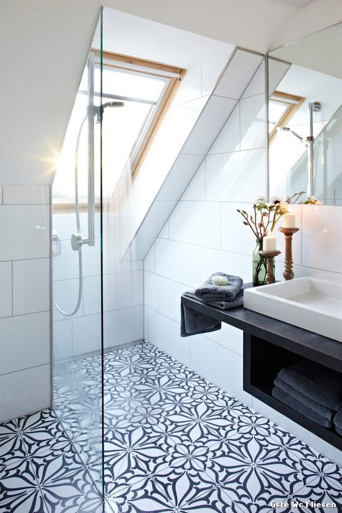 Best of pinterest becki owens for Small attic bathroom designs