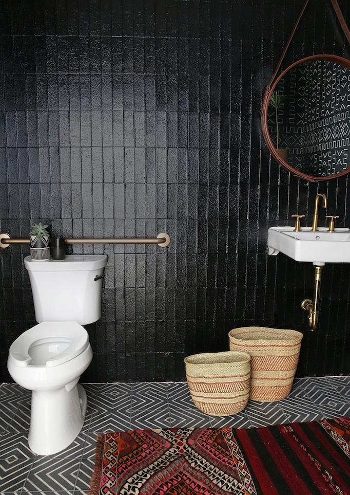 beautiful bold black bathrooms  paint guide