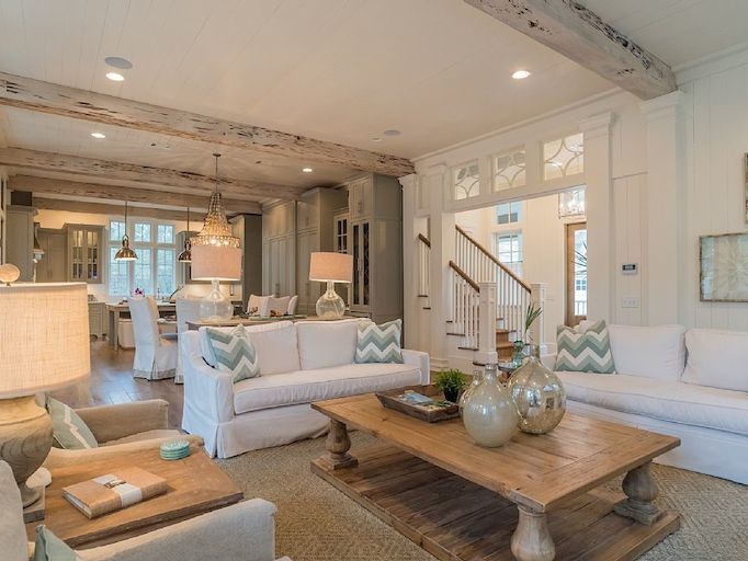 A southern beach house beauty for Florida home interior designs