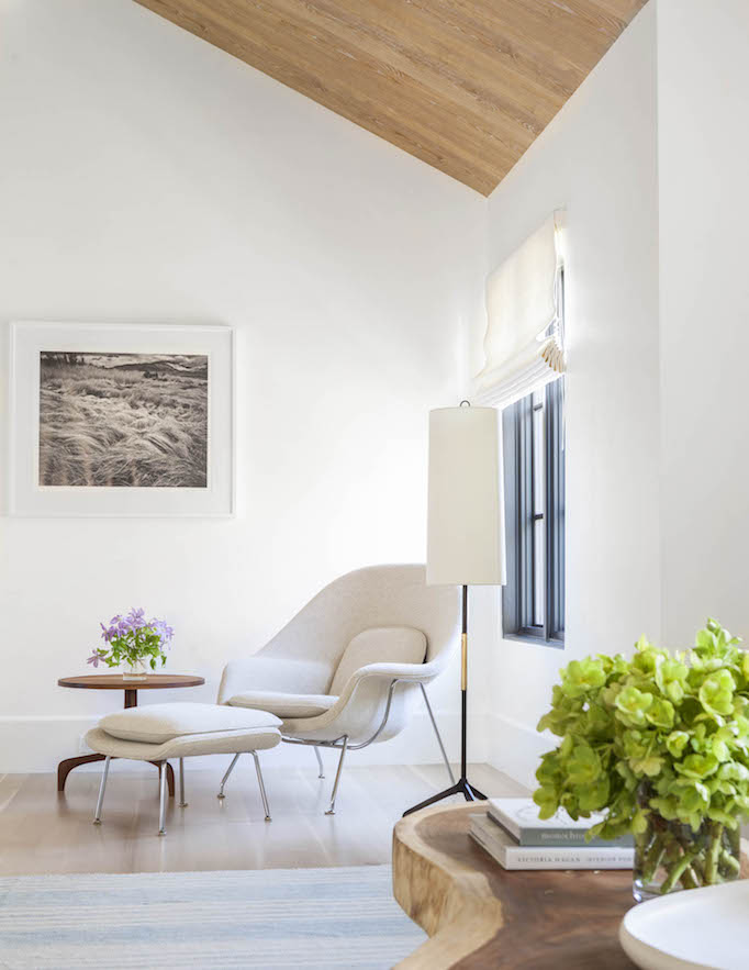 modern mediterranean seating nook
