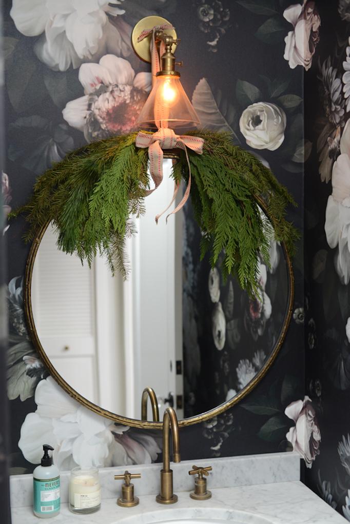 8 Festive Ways To Decorate With Holiday Greenerybecki Owens