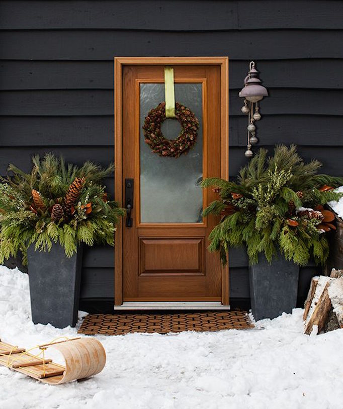 8 Festive Ways to Decorate with Holiday Greenery