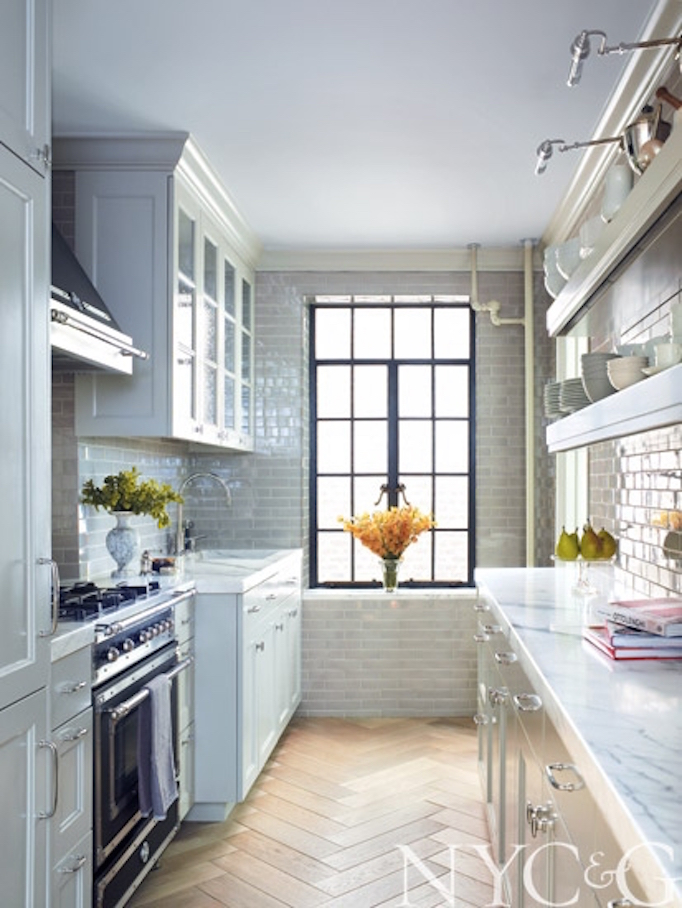 BECKIOWENS Gray and wood kitchen