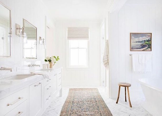 10 Ideas for Accessorizing your Bathroom