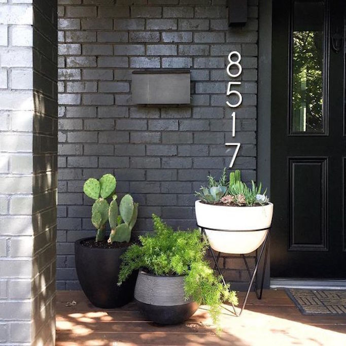 Pros and Cons: Painted Brick ExteriorsBECKI OWENS