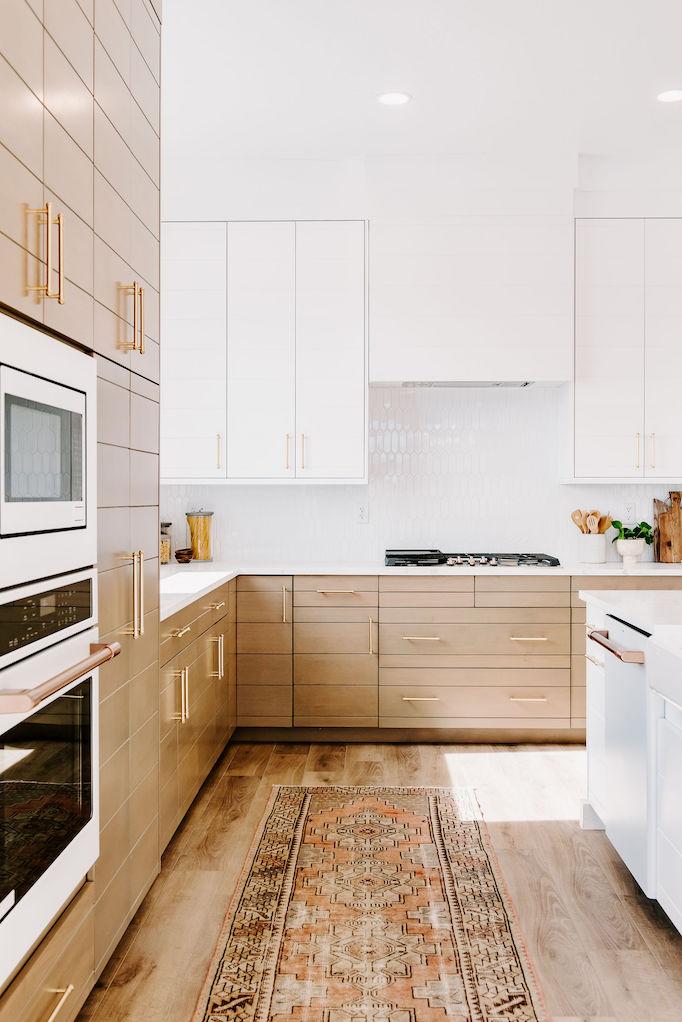 Quick Guide: 5 Beautiful Backsplash Tiles for White Kitchens