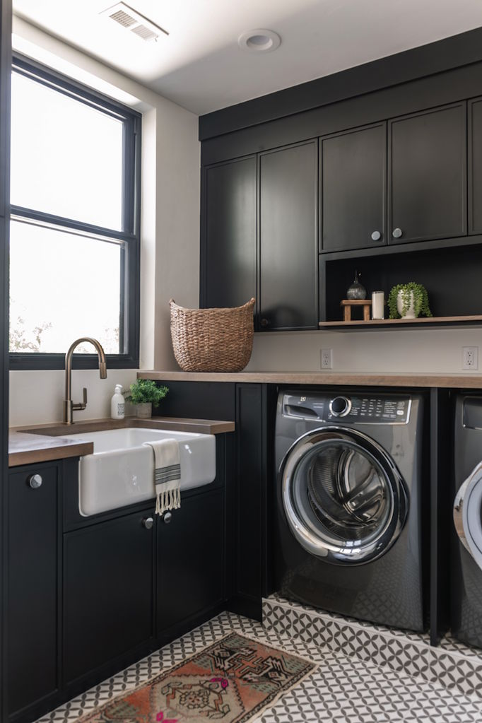 Farmhouse Small Laundry Room